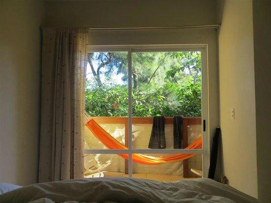 Pousada Penareia: Balcony with hammock