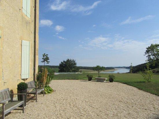 la maison du lac boulogne sur gesse france voir les tarifs et avis chambres d 39 h tes. Black Bedroom Furniture Sets. Home Design Ideas