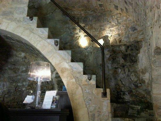 Locanda Don Serafino: La scala che porta alle stanza