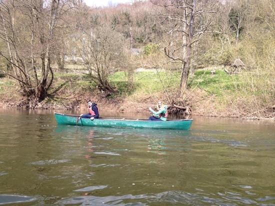 Ross on Wye Canoe Hire - Day Trips: messing around on the river !!