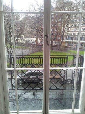 Mentone Hotel: Widok z okna