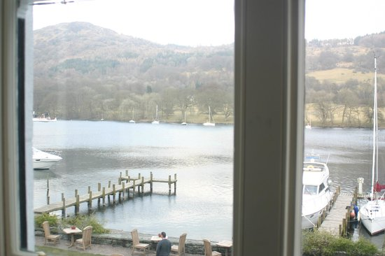 Lakeside Hotel: Room with a view !