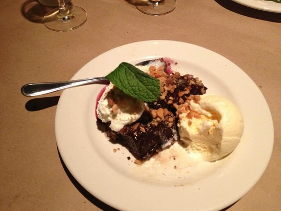 Bonefish Grill: Deserts large enough to split