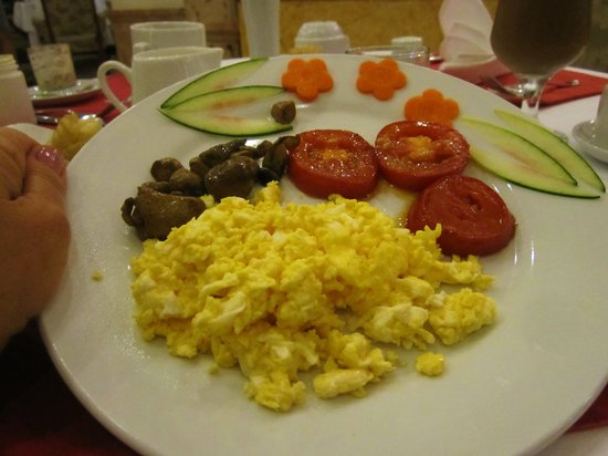 Hanoi City Palace Hotel: Another beautiful breakfast. Everything made to order.