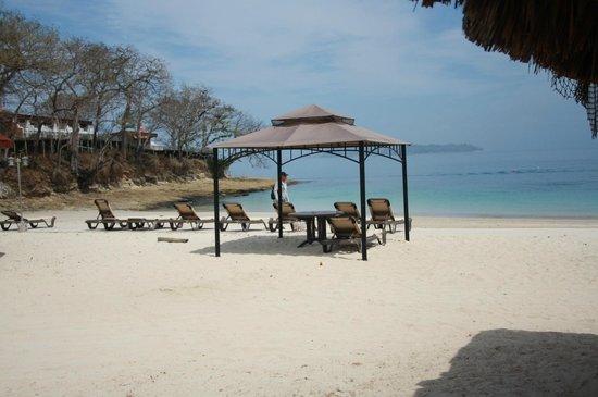 Perlas Islands (Las Perlas Archipelago): Beach with service