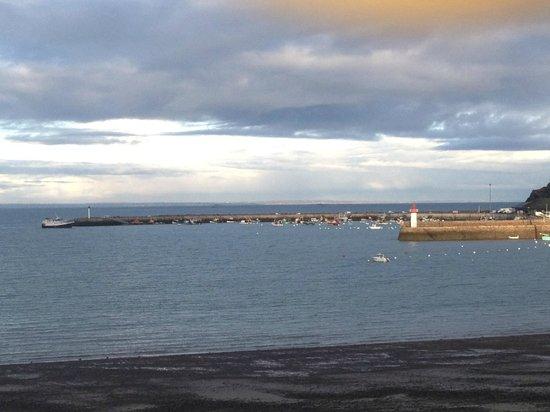 Hotel de la Plage d'Erquy : vue sur la mer