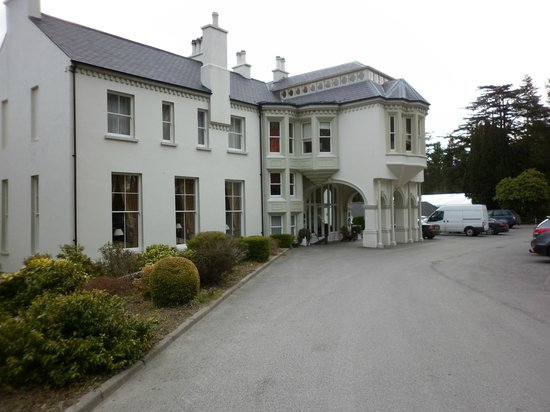 Beech Hill Country House Hotel: The approach to the Hotel