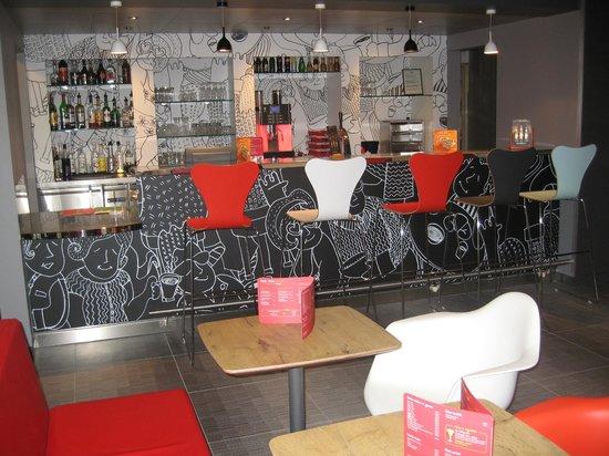 Ibis Amboise: bar