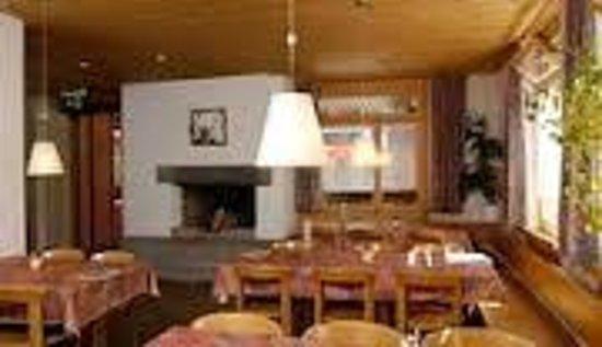 Jugendherberge Pontresina: Speise und Aufenthaltsraum