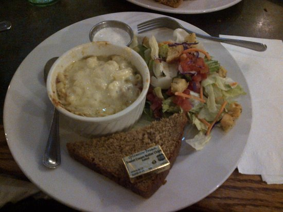 Prescott Brewing Company: White Mac n Cheese and salad...yummy!