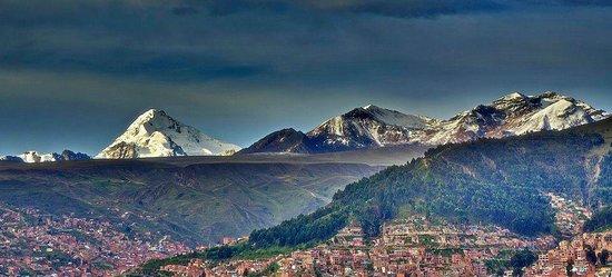Urban Rush Bolivia: La cordillera real encima de La Paz