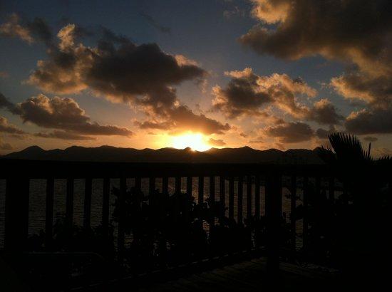 The Summit Hotel: Sunrise at pool