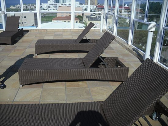 Protea Hotel by Marriott Port Elizabeth Marine: the pool area