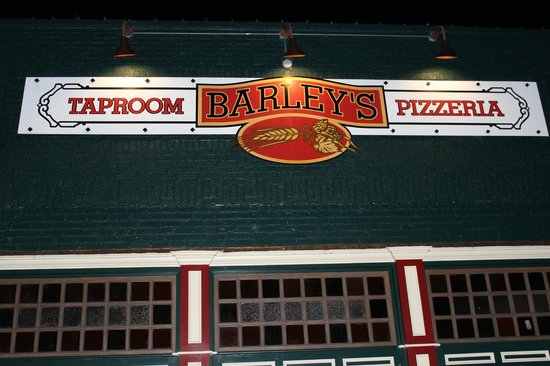 Barley's Taproom and Pizzeria: On Main Street Spindale