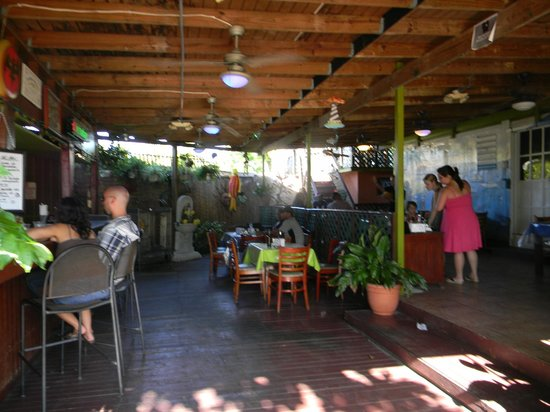 Katrina's Restaurant : Open air seating