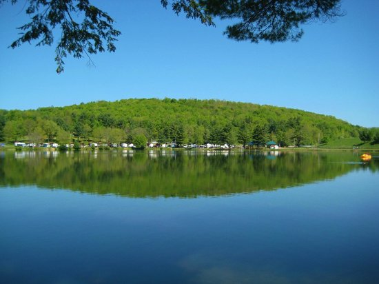 Yogi Bear's Jellystone Park - Cooperstown : wake up to this view