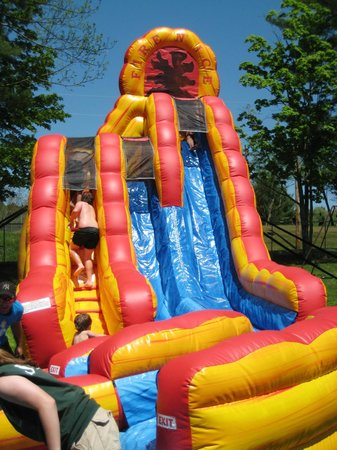 Yogi Bear's Jellystone Park - Cooperstown : one of the inflatable water slides