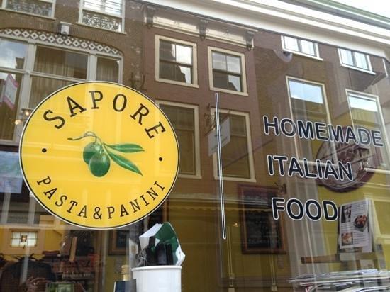 Sapore Pasta & Panini: outside