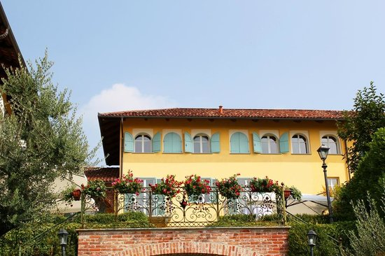 Chieri, Italia: la villa vista dai giardini