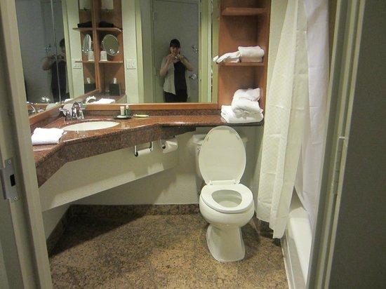 The Westin Bonaventure Hotel & Suites, Los Angeles: Bathroom