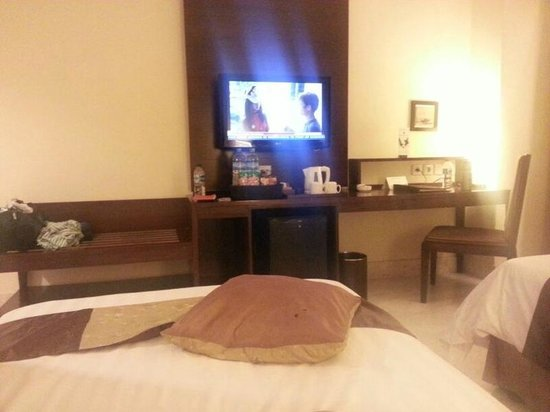 Aston Samarinda Hotel and Convention Center: Clean and Functional Room