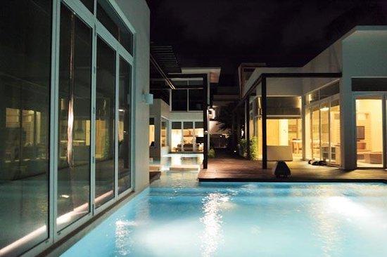 Aleenta Resort & Spa Phuket Phangnga: Bei Nacht