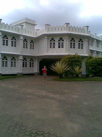 Hotel Fort Munnar: The main entrance