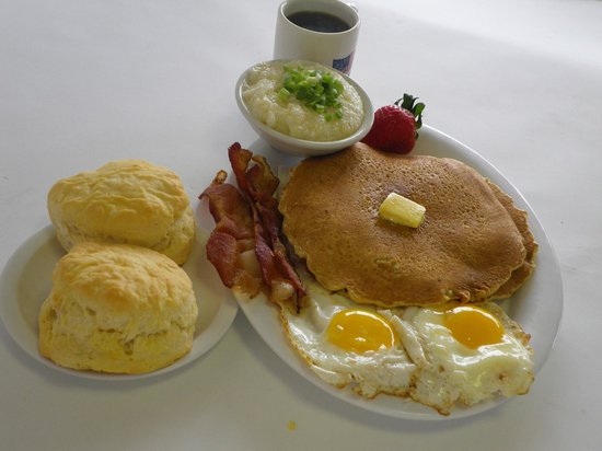 Grits Grill: Hotcakes, eggs & homemade biscuits