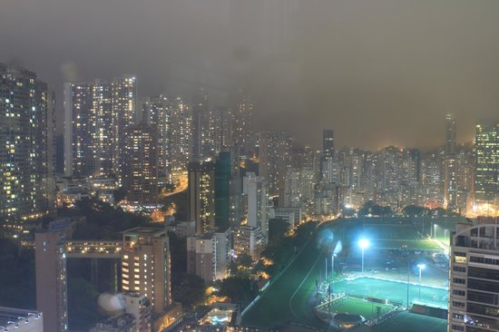 Best Western Hotel Causeway Bay: View from 3510 in the evening