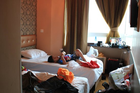 Best Western Hotel Causeway Bay: Tiny room and tiny doubel bed
