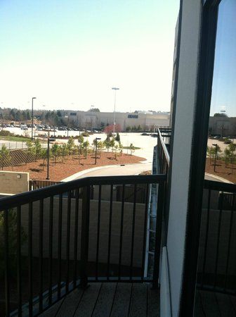 Courtyard Raleigh North/Triangle Town Center: view from balcony of mall