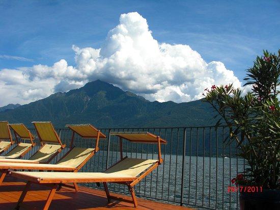 Hotel Regina: lettini lago e nuvole!