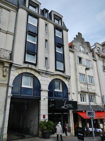 L'HOTEL : Façade de L'hôtel