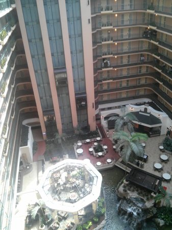 Embassy Suites by Hilton Dallas DFW Airport South: View from the inside balcony overlooking the hotel