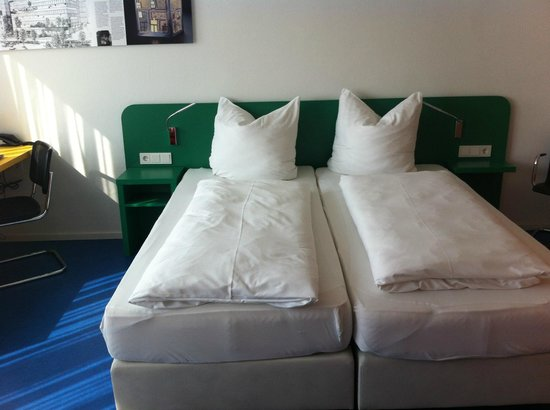 Rosenthal Casino: Bed