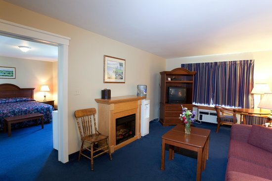Inn at the Pier: suites 105 and 217