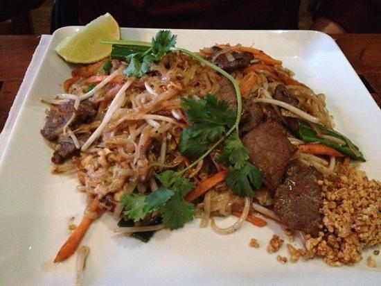 Thai Thai - East: beef pad thai
