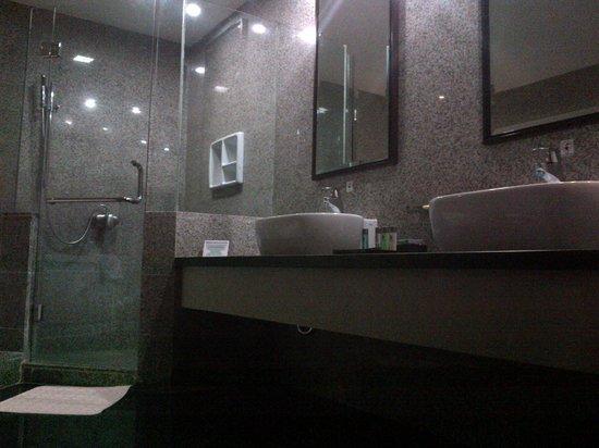 Manhattan Hotel: Bathroom Manhattan Suite