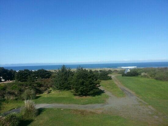 Pacific Reef Hotel - Gold Beach: the view from the room balcony. simply amazing.