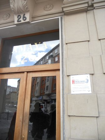 Hostel Hemingway: Entrada del portal