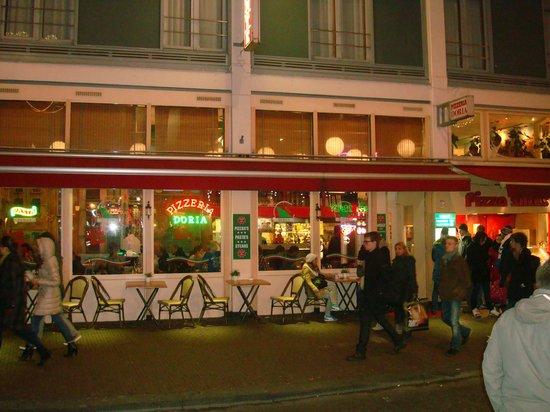 Ristorante pizzeria doria amsterdam red light district for Hotel doria amsterdam