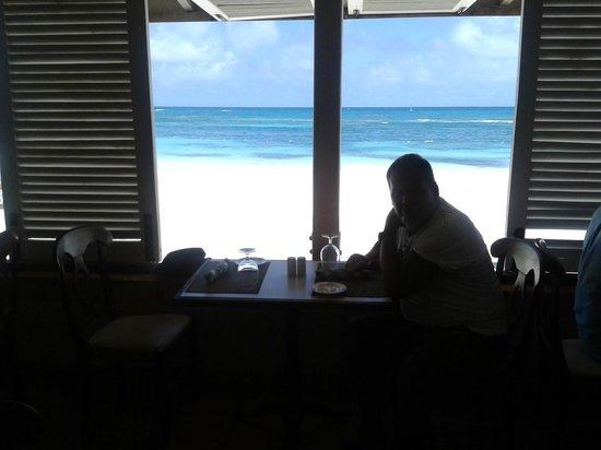 Pineapple Beach Club Antigua: Frühstück mit Traumblick