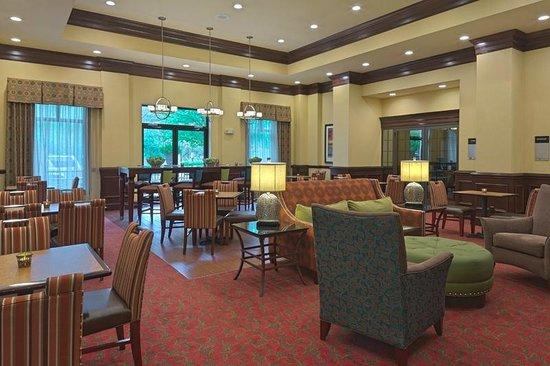 Hampton Inn & Suites Asheville-I-26: Breakfast Dining Area
