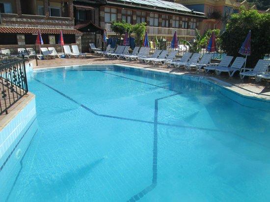 Magic Tulip Oludeniz: Lovely clean empty pool