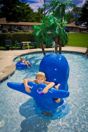 Aloha Beach Resort & Suites: Aloha Beach Resort Wisconsin Dells