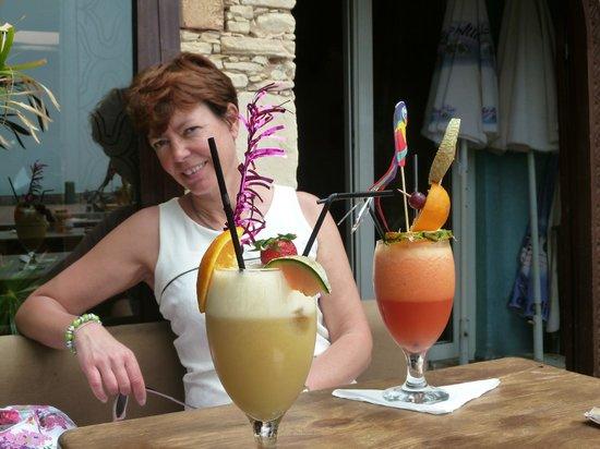 S'caro'll: ceux là, milk shake et cocktail de jus de fruit..   :)