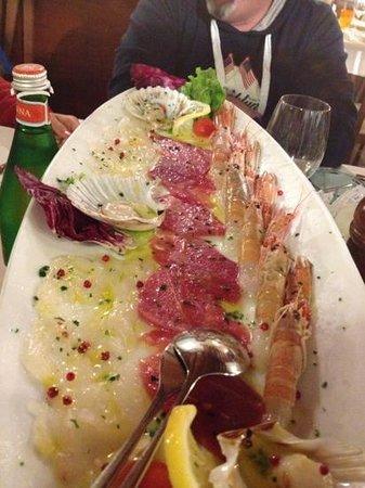 Dolo, Italie : pesce crudo