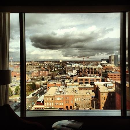 Four Seasons Hotel Denver: 9th floor, room with a view
