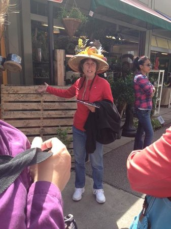 Cincinnati Food Tours : Barb from Daisy Mae's - our tour guide