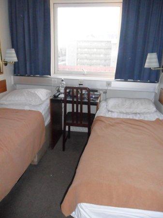 Hotel Cabin: Budget room